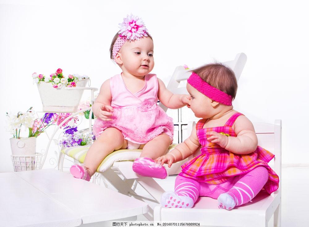 外国宝宝摄影图片素材 可爱小孩 小宝宝 孩子 可爱宝宝 外国宝宝 抱枕