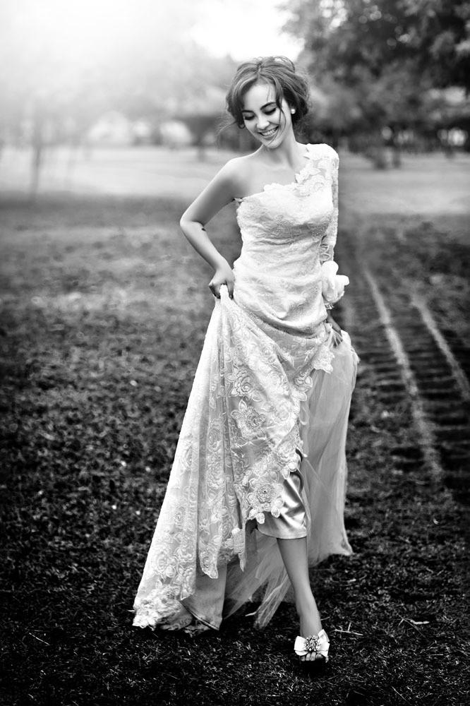黑白风格新娘美女图片