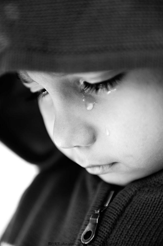 哭泣的男孩图片素材 外国儿童 可爱 男孩 男生 小学生 哭泣 悲伤人物