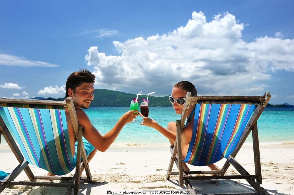 海边的情侣图片素材 幸福家庭 外国男性 男人 美女 女性 恩爱 夫妻