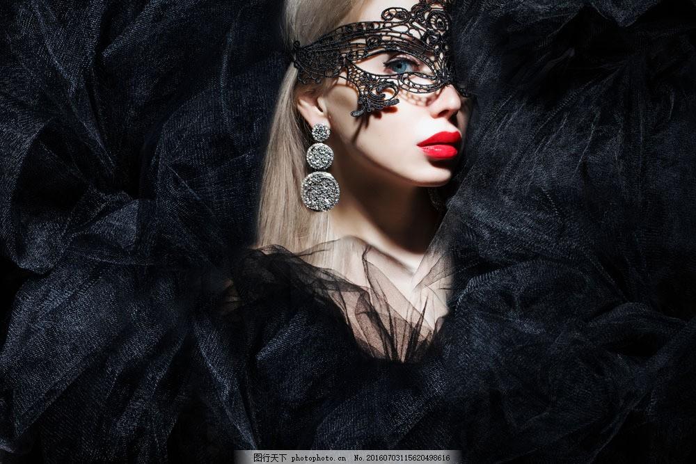 黑色蕾丝包围的女人 黑色蕾丝包围的女人图片素材 性感 外国女人