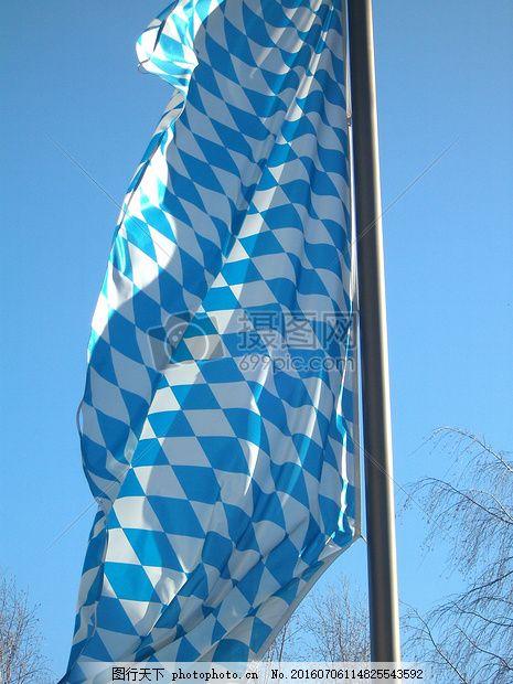 蓝天下飘扬的旗帜 巴伐利亚 国旗 巴伐利亚州旗 德国 地区 风 蓝色 白