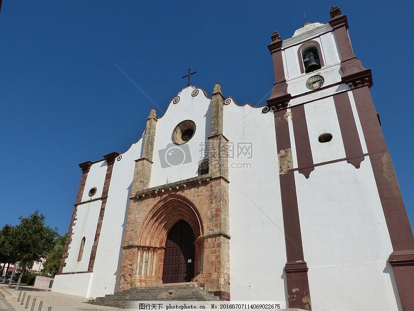 欧式风格的城堡 建筑物 拱形 白色 蓝天     红色 jpg