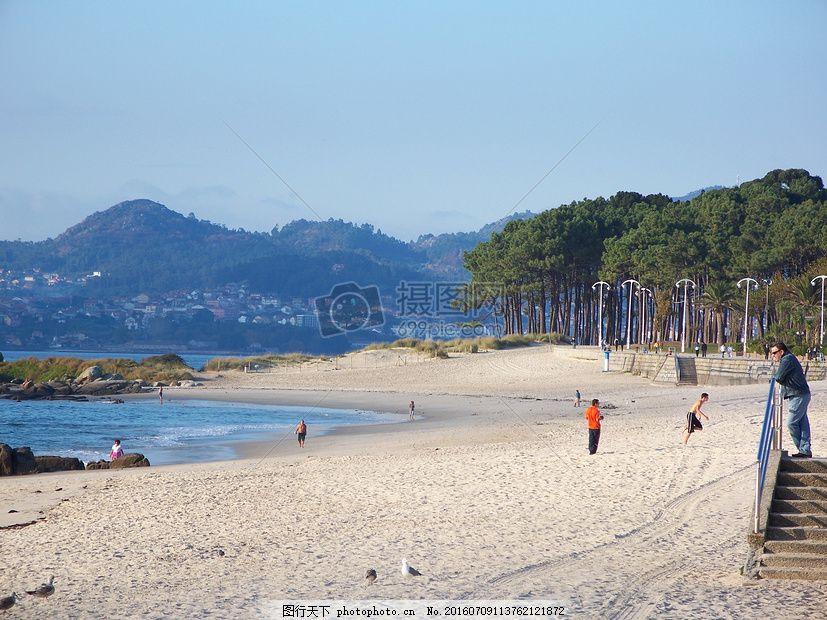 海边的美丽景色 海滩 海洋 沙 桑迪 树山 海岸 太阳 海岸线