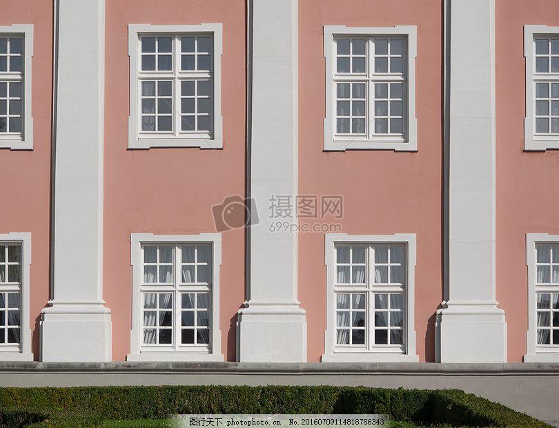 墙面上的窗子图片