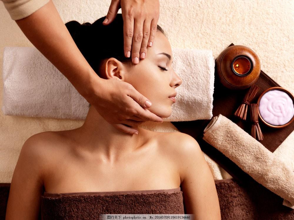 脸部按摩的美女图片素材 脸部按摩 spa 按摩 健康 养生 生活人物 人物
