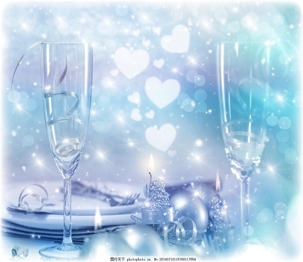 玻璃杯与餐具图片素材 桃心 光斑 星光 玻璃杯 高角杯 餐具 盘子 圣诞