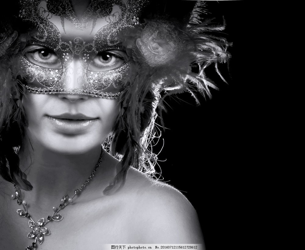 戴面具美女黑白照图片