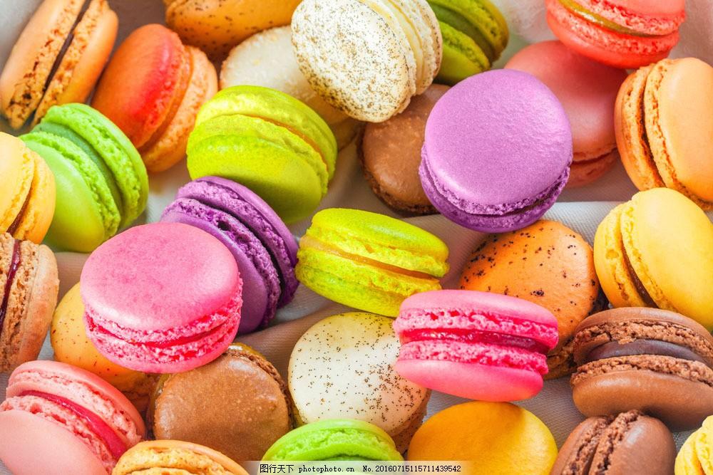 一堆彩色蛋糕 一堆彩色蛋糕图片素材 甜品 甜点 点心 食物原料