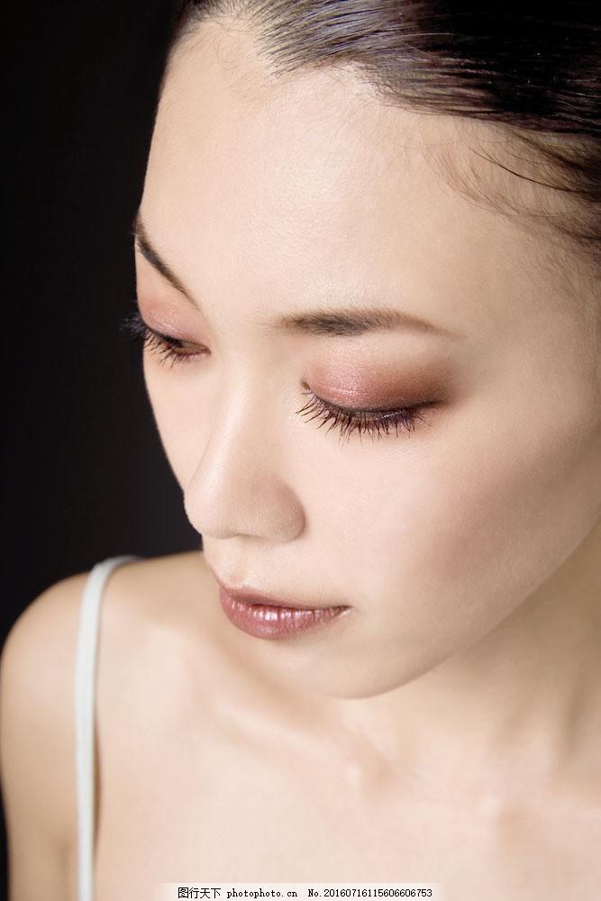 脸部特写图片素材 淡妆 肤质 养颜 护肤 美体 美容人物 美容 化妆品