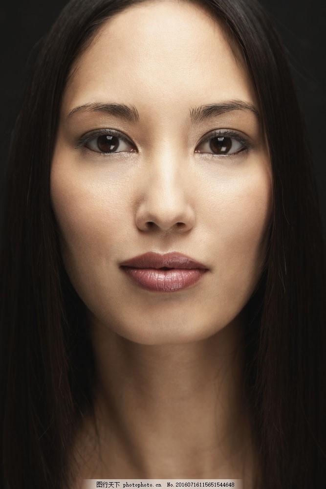 化妆美女脸部特写图片