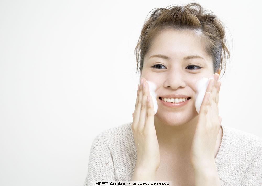 海面奶广告模特美女图片