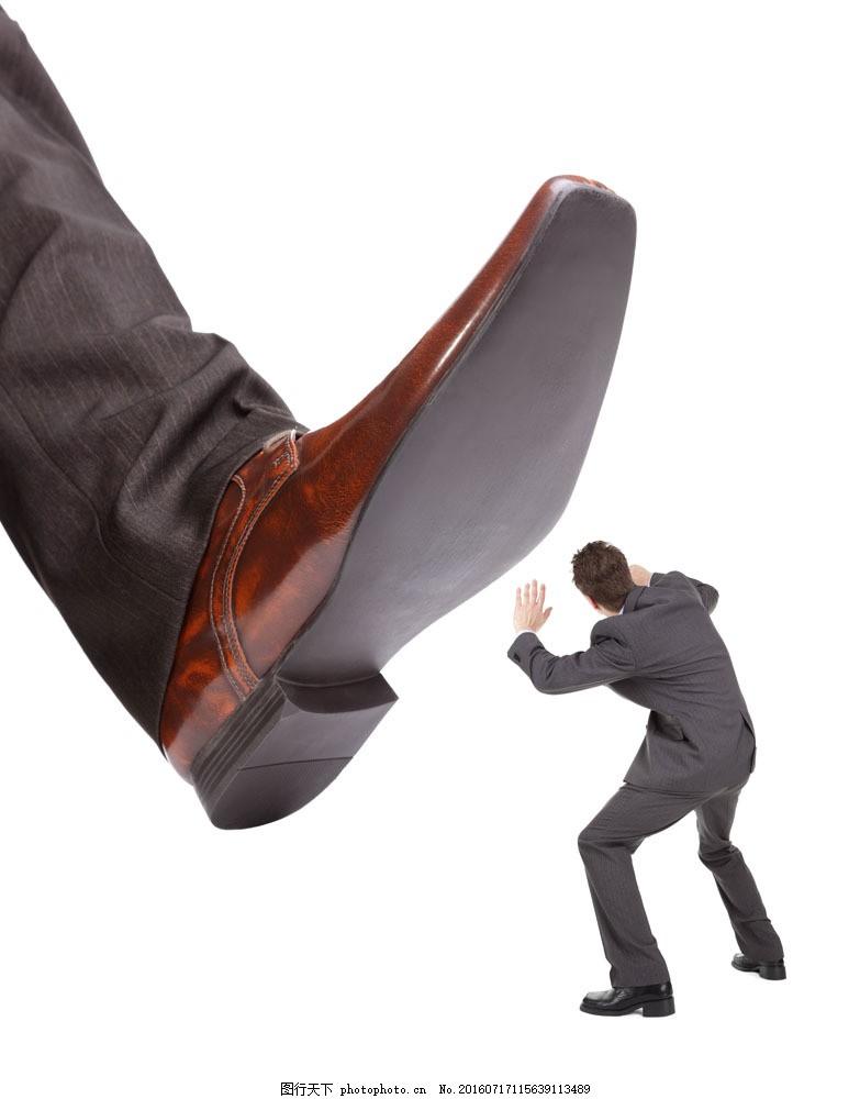 被踩的小人 被踩的小人图片素材 皮鞋 西服 夸张 创意 广告 裁人
