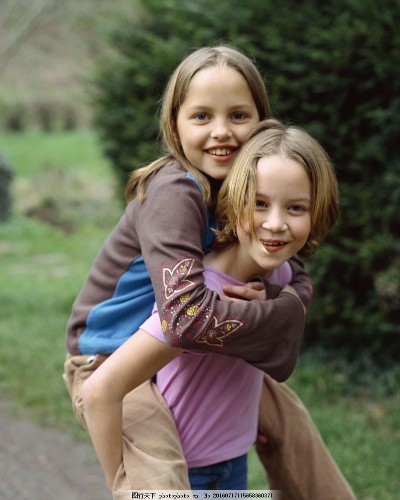 可爱小女孩图片素材 户外儿童 户外活动 外国儿童 可爱 小孩儿 孩子