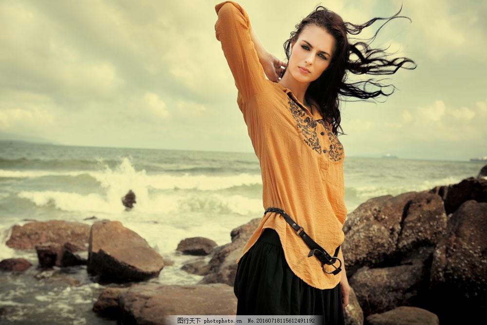 海边的美女写真 海边的美女写真图片素材 性感美女 女性 女人 时尚