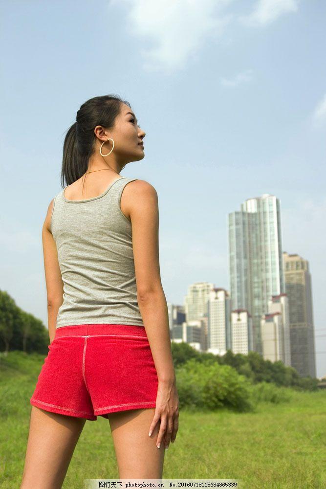 健身美女背影图片