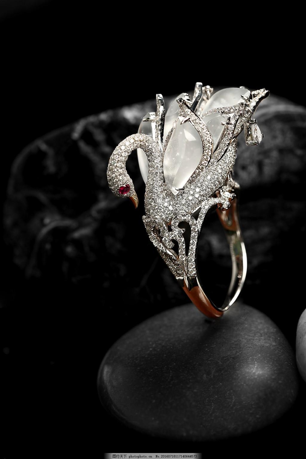 翡翠戒指镶嵌 镶嵌戒指图片 翡翠戒指 珠宝设计 翡翠 镶钻 18k金
