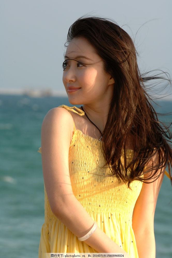 明星偶像海边摄影图片素材 明星偶像 女性 女人 时尚美女 国内明星 性