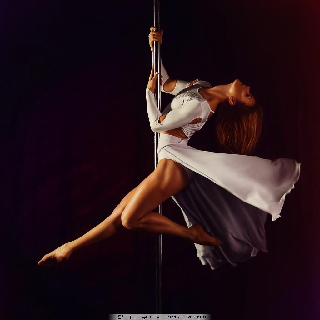 欧美钢管舞图片