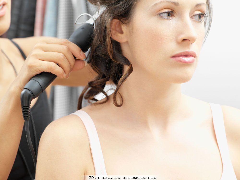 欧美 美女 女人 模特 发型师 卷发 发型 造型 烫发 化妆师 性感 时尚