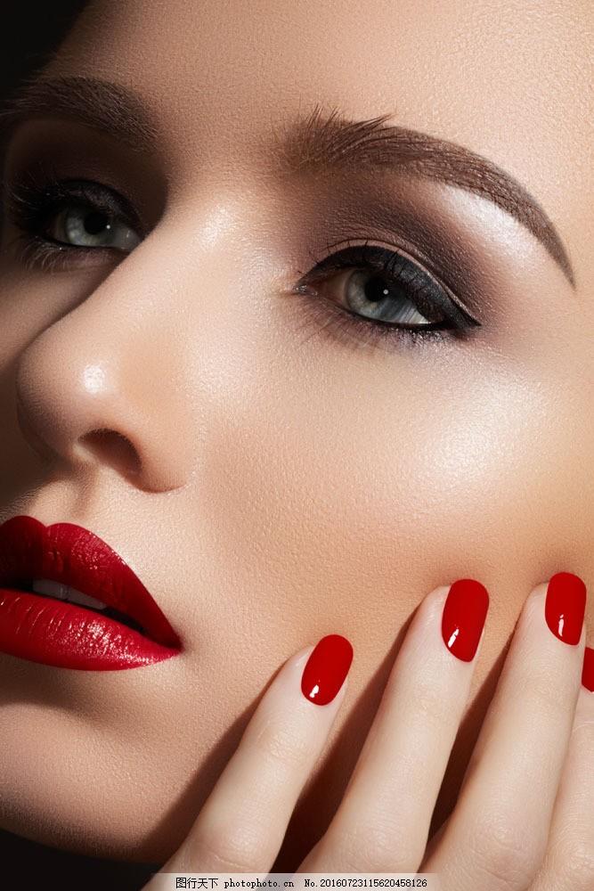 性感红唇美甲模特图片