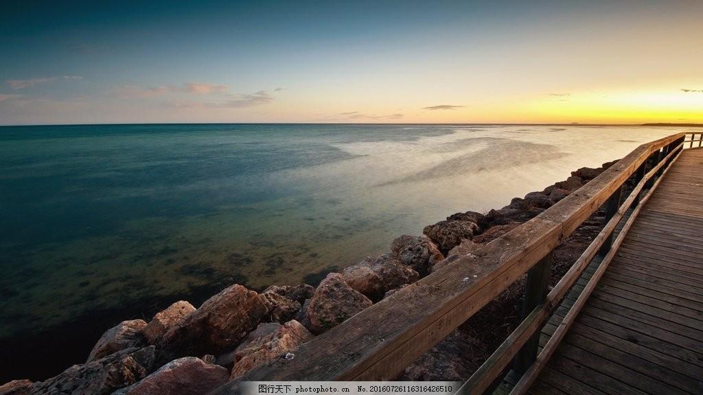 傍晚海边风景图片下载 大海 海边 礁石 木桥 道路
