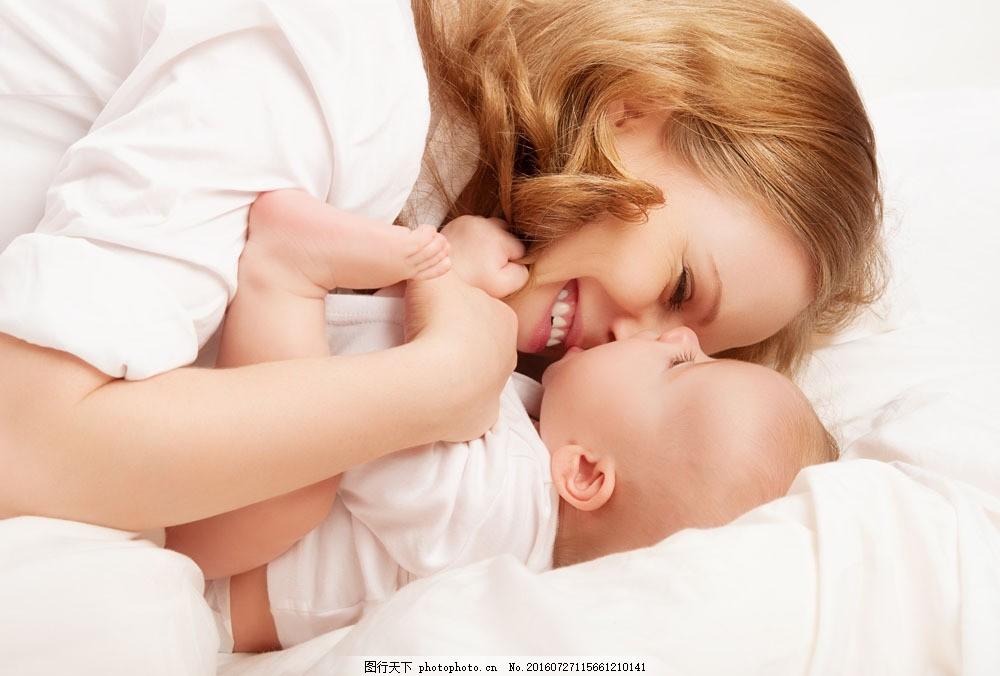 外国妈妈 美女妈妈 外国宝宝 婴儿 婴幼儿 小孩 温馨的家庭 生活人物