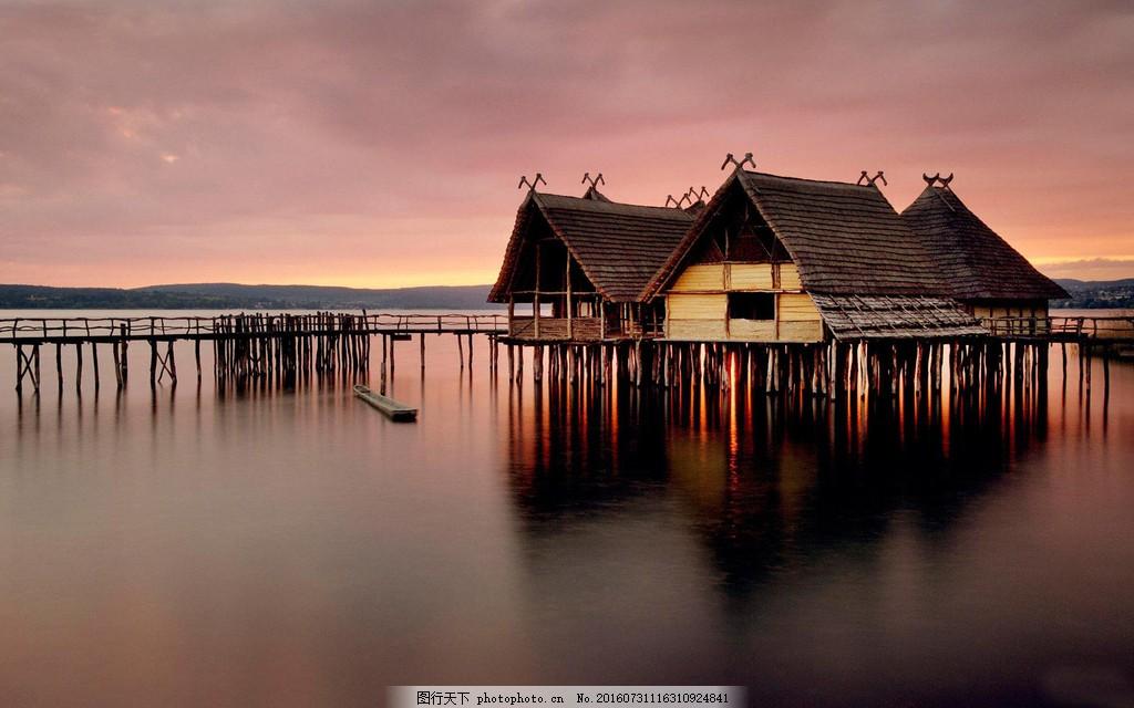 美丽的海边房屋风景图片