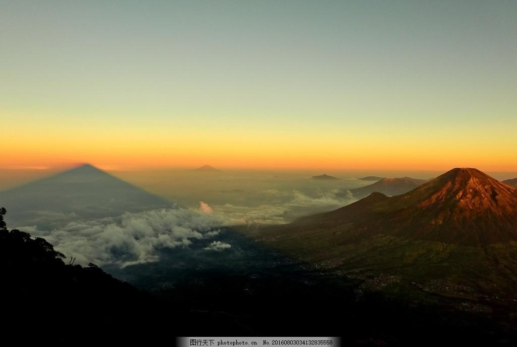 远景 高山远瞻 航拍 风景 鸟瞰 云雾 高山 山峰 远山 山脊 山脉 森林