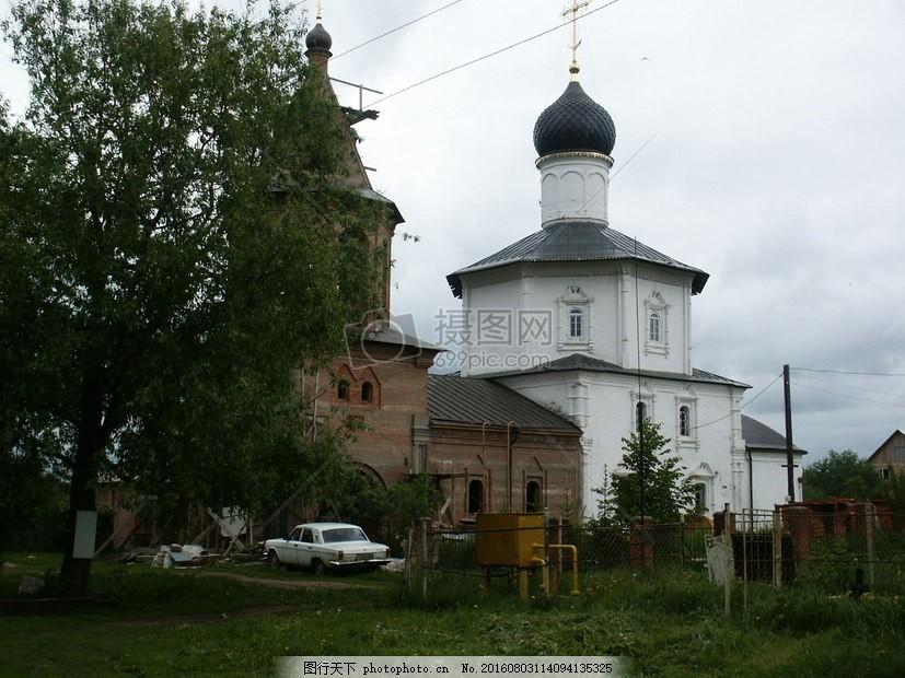 现代建筑风格 建筑 白色 欧洲 欧式 古堡 风格 创意 草地     红色