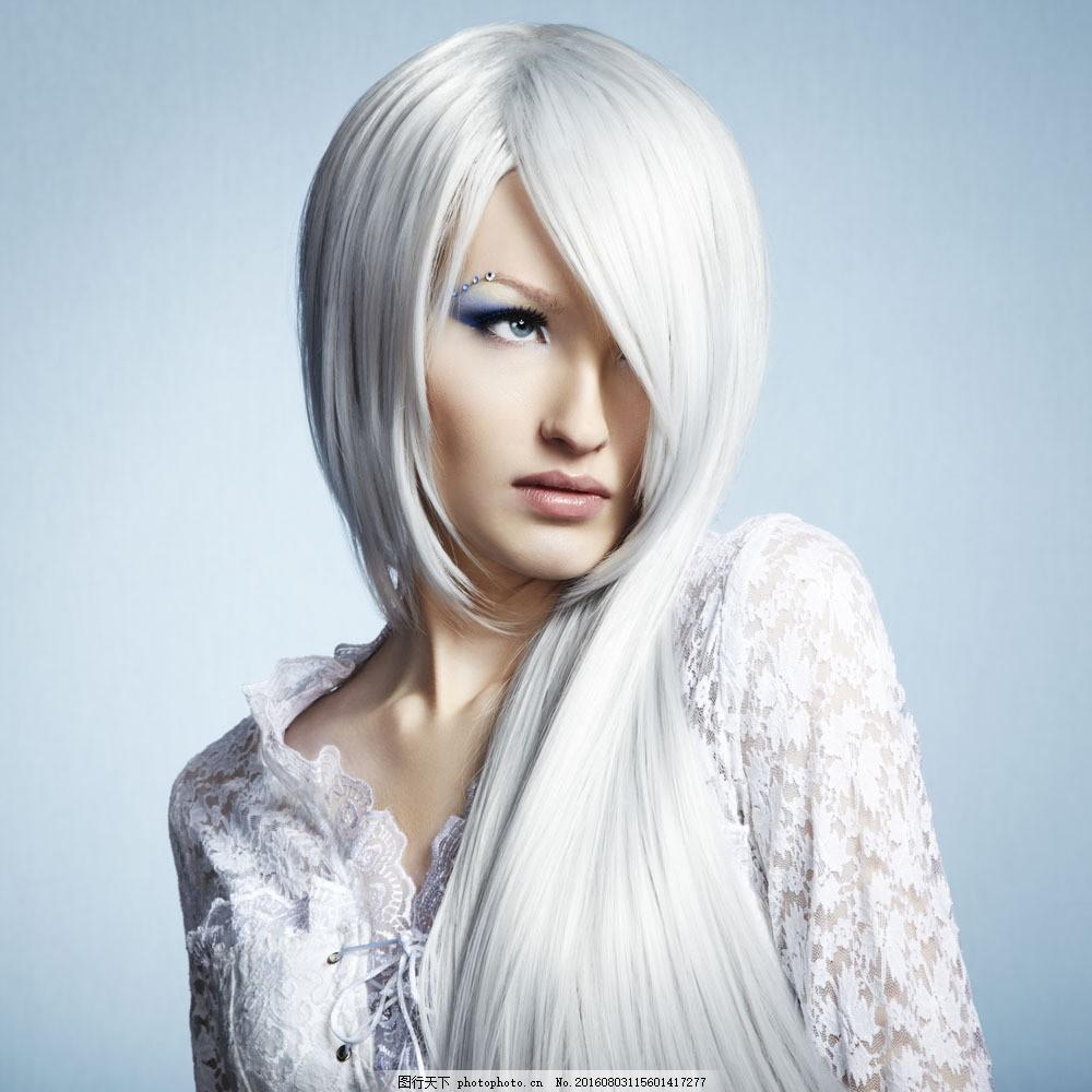 白发模特美女图片