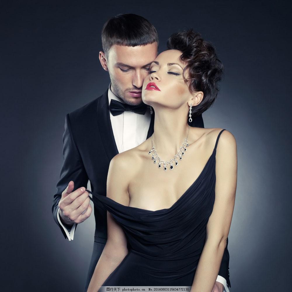 国外时尚情侣模特摄影图片