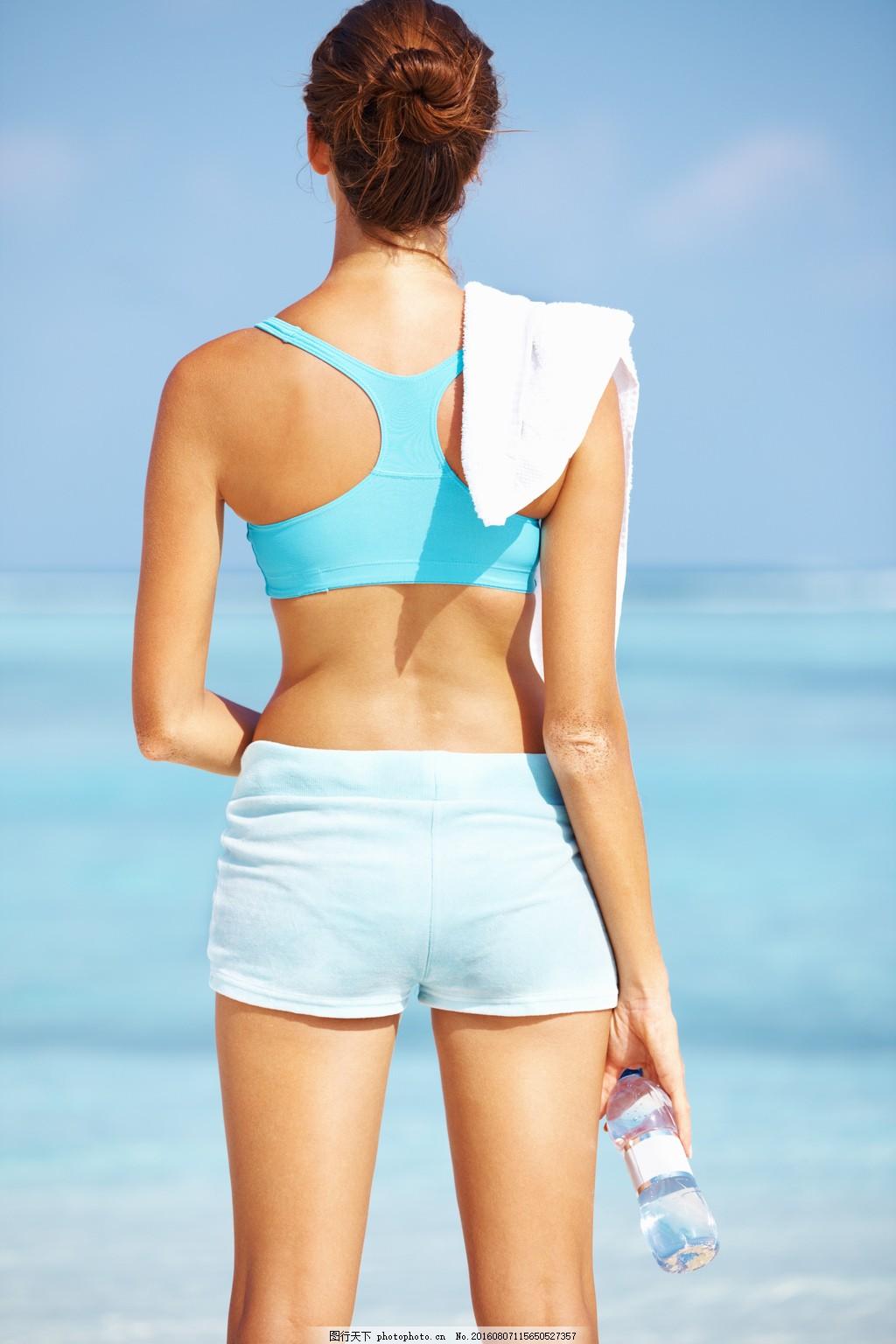健身运动美女背影图片