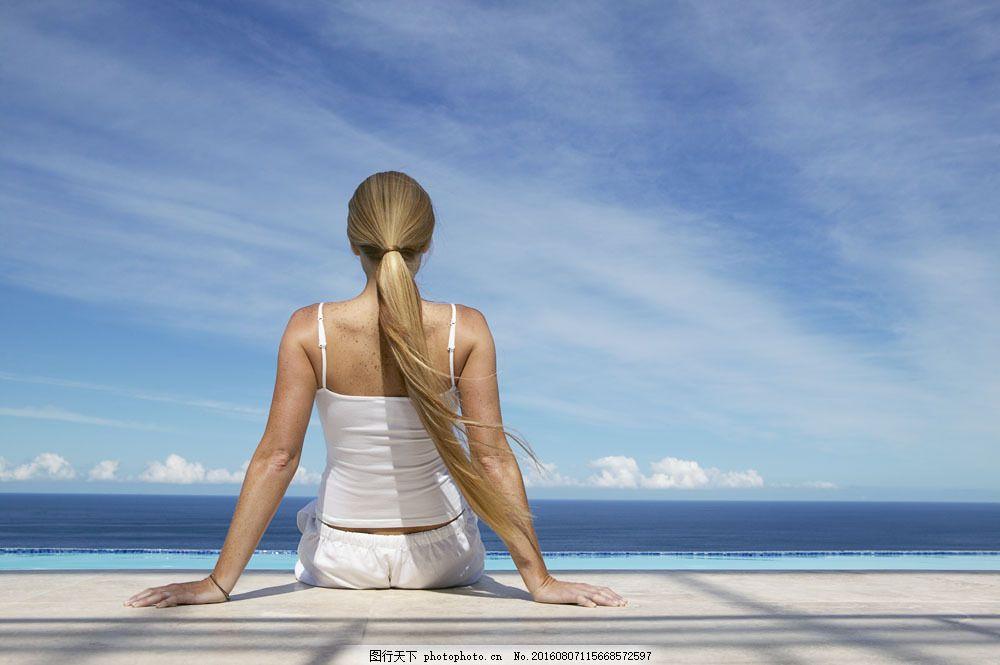瑜珈健身美女图片