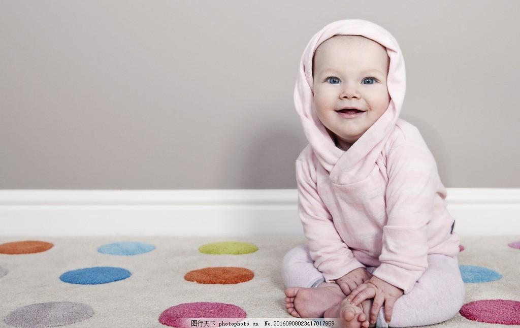 微笑的可爱婴儿 可爱 新生儿 宝宝 睡觉 萌宝宝 可爱宝宝 漂亮宝宝