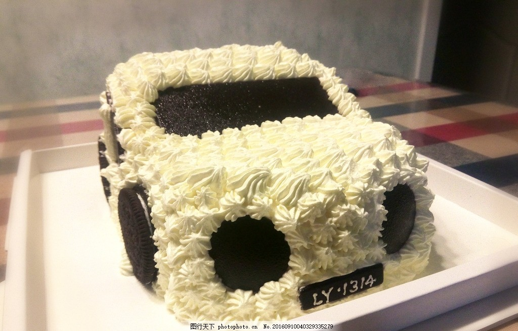蛋糕 汽车 生日 奥迪 奶油 巧克力 快乐 摄影 西餐美食