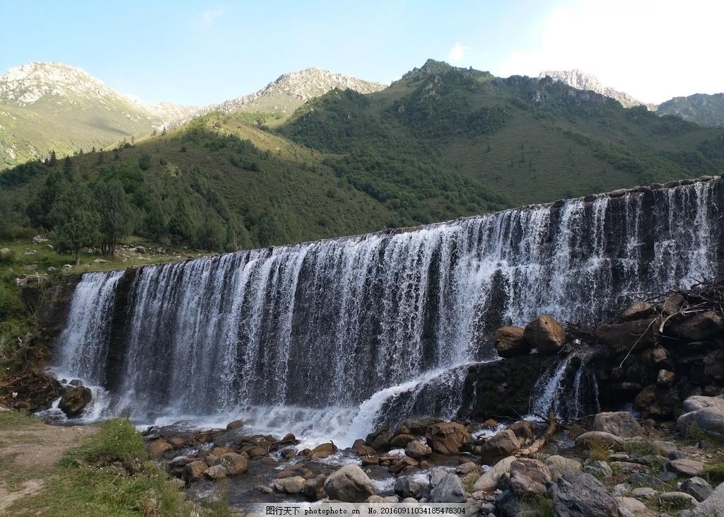 瀑布 山脉 蓝天 白云 普达措 香格里拉 云南 山水风景 蓝天背景 背景